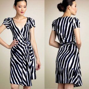 Diane von Furstenberg Wrap Dress Blue White Sz 10